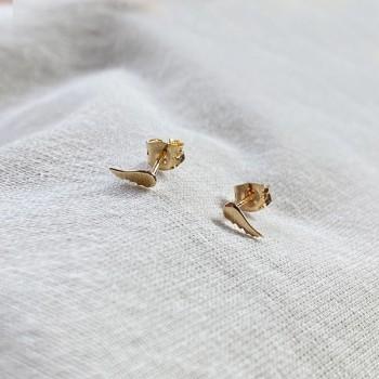 Boucles d'oreilles puce aile d'ange fine en plaqué or - Bijoux fins de créateur
