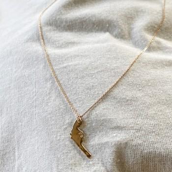 Collier pendentif en forme de revolver sur chaine en plaqué or - bijoux fins et fantaisies
