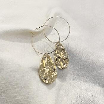 Boucles d'oreilles créoles pendantes grosse pièces martelées - Bijoux moderne