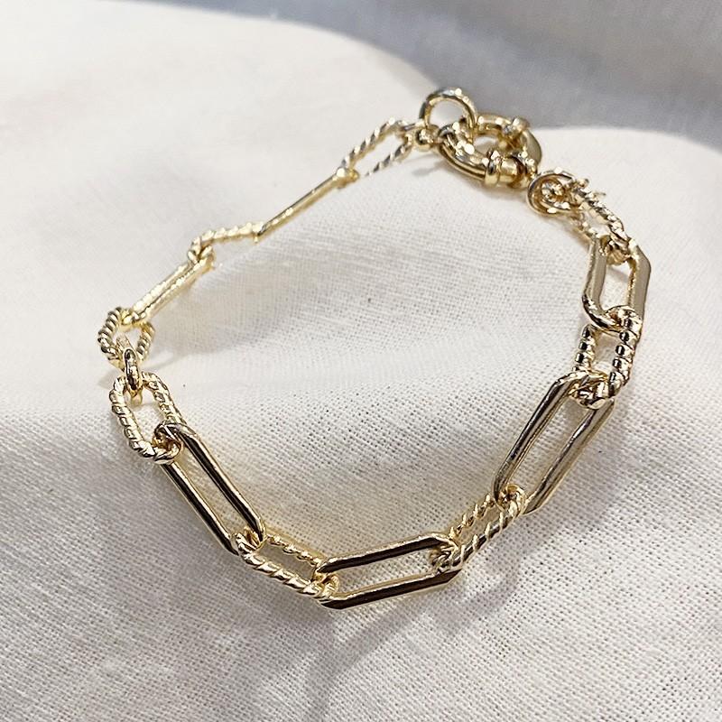 Bracelet à maillons longs ciselés en plaqué or gros mousqueton marin bouée - Bijoux tendances