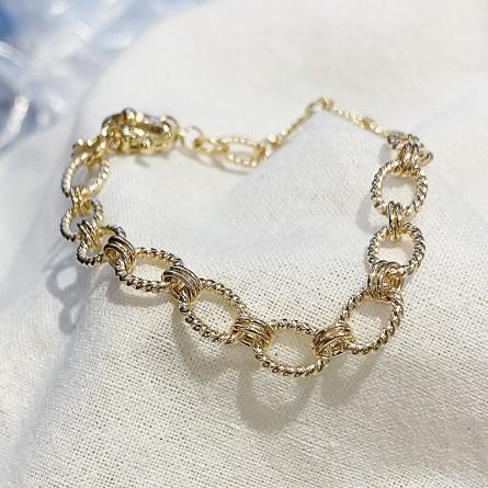 Bracelet à maillons ovale ciselés en plaqué or gros mousqueton rond marin bouée - Bijoux tendances