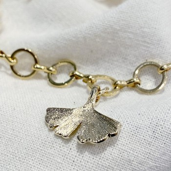 Collier à maillons ronds pendentif feuille de Ginkgo en plaqué or - Bijoux modernes