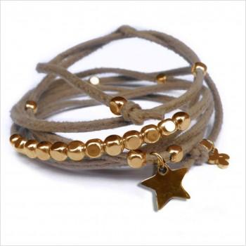 Mini charms étoile sur daim noué greige perles en plaqué or - bijoux modernes - gag et lou - bijoux fantaisie