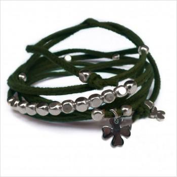 Mini charms trèfle sur daim noué vert perles en argent - bijoux modernes - gag et lou - bijoux fantaisie